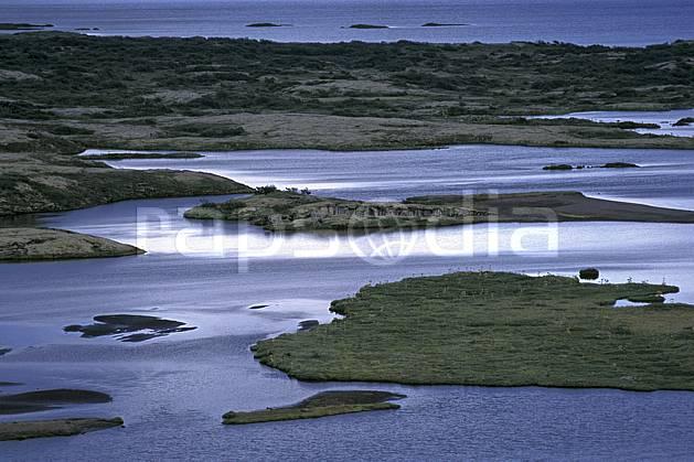 ea1040-13LE : Thingvellir.  ONU, OTAN, île, C02, C01 lac, paysage, voyage aventure (Islande).