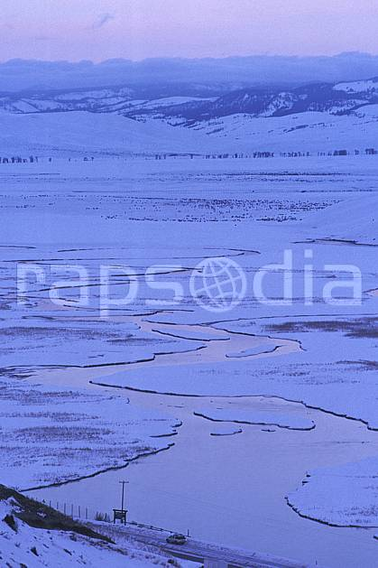 ea1987-32LE : Elke National Refuge, Jackson, Wyoming.  Amérique du nord, ciel nuageux, C02, C01 paysage, rivière, voyage aventure (Usa).