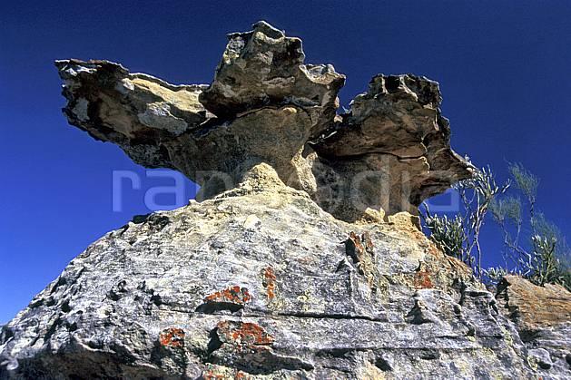 ea2254-29LE : Parc National de l'Isalo.  Afrique, Afrique de l'est, bloc, ciel bleu, C02, C01 paysage, voyage aventure (Madagascar).