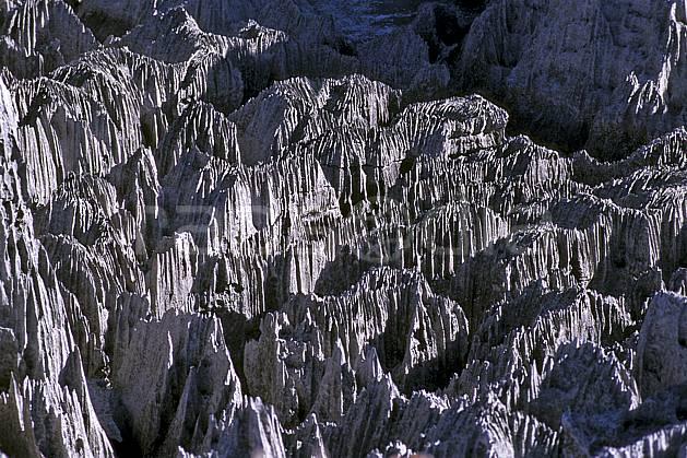 ea2274-14LE : Les Tsingy de Bemaraha.  Afrique, Afrique de l'est, chaos, tsingy, érosion, C02, C01 paysage, voyage aventure (Madagascar).