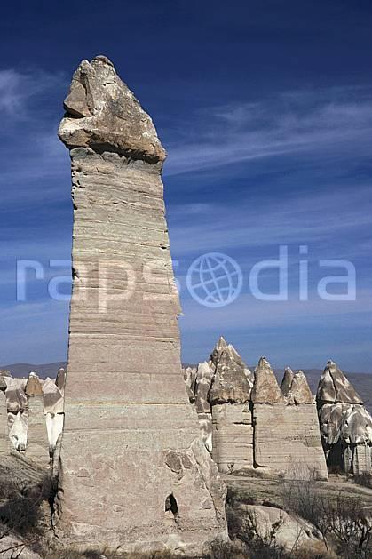ea2654-27LE : Anatolie Centrale, Cappadoce.  Europe, pic, ciel nuageux, érosion, C02, C01 paysage, voyage aventure (Turquie).