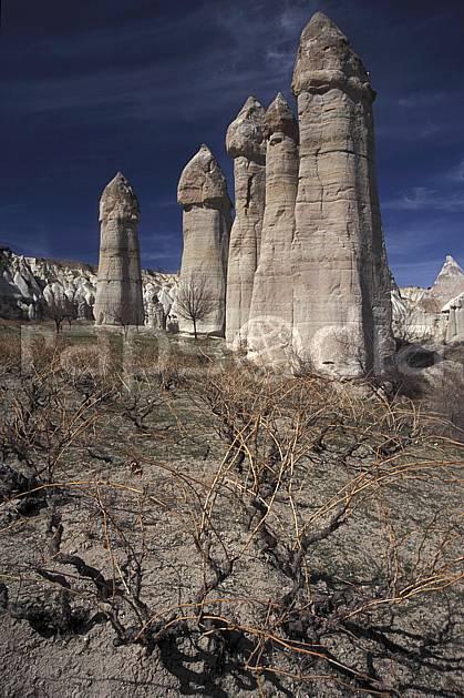 ea2655-09LE : Anatolie Centrale, Cappadoce.  Europe, pic, ciel bleu, érosion, C02, C01 paysage, voyage aventure (Turquie).