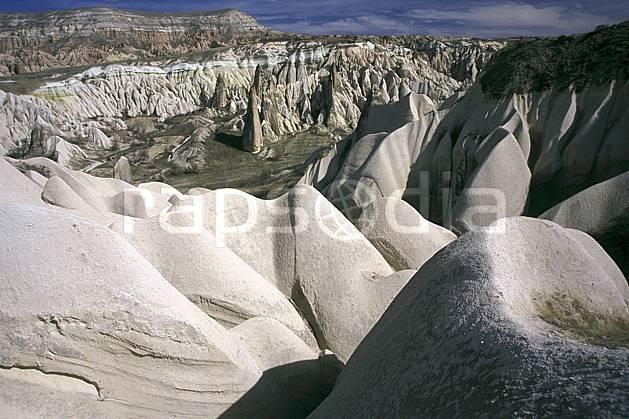 ea2656-15LE : Anatolie Centrale, Cappadoce.  Europe, ciel voilé, érosion, C02, C01 paysage, voyage aventure (Turquie).