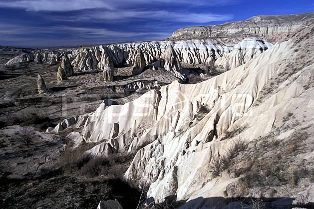 ea2657-14LE : Anatolie Centrale, Cappadoce.  Europe, ciel nuageux, érosion, C02, C01 désert, paysage, voyage aventure (Turquie).
