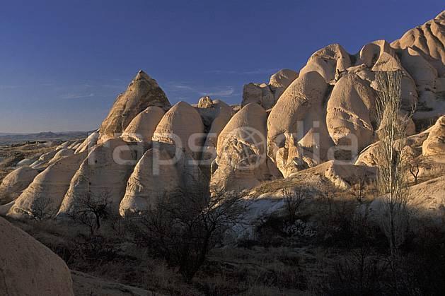 ea2657-34LE : Anatolie Centrale, Cappadoce.  Europe, ciel bleu, érosion, C02, C01 paysage, voyage aventure (Turquie).