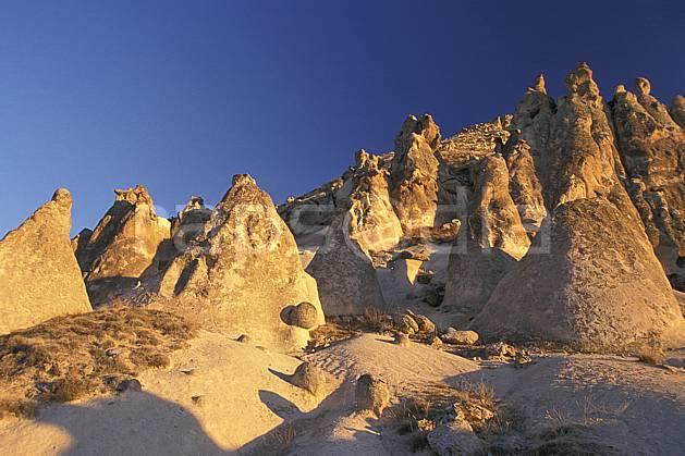 ea2658-18LE : Anatolie Centrale, Cappadoce.  Europe, ciel bleu, érosion, C02, C01 désert, paysage, voyage aventure (Turquie).