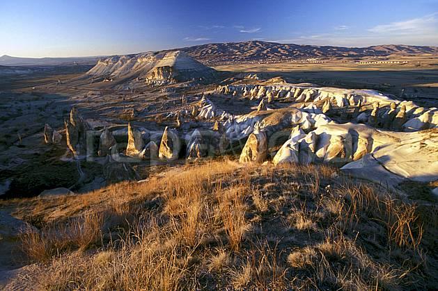ea2658-19LE : Anatolie Centrale, Cappadoce.  Europe, ciel bleu, érosion, C02, C01 désert, paysage, voyage aventure (Turquie).