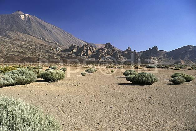 ea2680-31LE : Tenerife, Iles Canaries.  Europe, CEE, bloc, ciel bleu, C02, C01 désert, paysage, voyage aventure (Canaries).