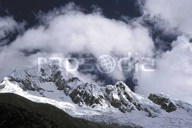 ea2726-25LE : Cordillère Blanche.  Amérique du sud, Amérique Latine, ciel nuageux, C02, C01 nuage, paysage, voyage aventure (Pérou).