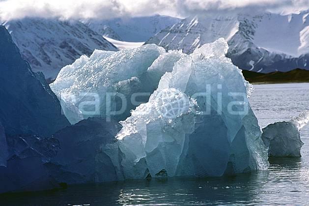 ea2759-38LE : Svalbard, Kongsfjorden, Glacier de Blomstrand.  Europe, CEE, iceberg, C02, C01 paysage, voyage aventure, mer, gros plan (Norvège).