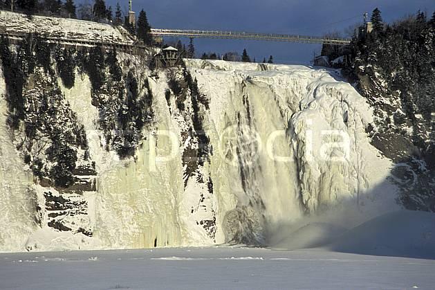 ea3112-02LE : Chute de Montmorency en hiver.  Amérique du nord, Amérique, falaise, cascade de glace, C02, C01 cascade, forêt, paysage, voyage aventure (Canada Québec).