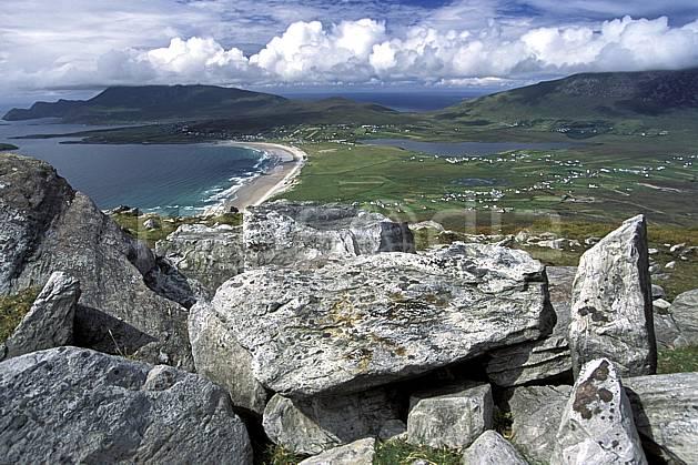 ea3175-22LE : Paysage d'Irlande, Achill Island.  Europe, CEE, C02, C01 lac, mer, nuage, paysage, voyage aventure (Irlande).