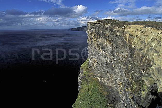 ea3176-37LE : Paysage d'Irlande, Cliffs of Moher.  Europe, CEE, falaise, C02, C01 mer, paysage, voyage aventure (Irlande).