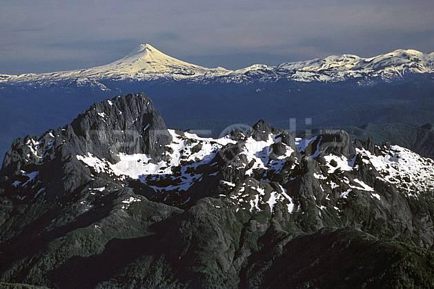 ea3185-06LE : Patagonie.  Amérique du sud, Amérique Latine, Amérique, panorama, chaine de montagnes, sommet, C02, C01 moyenne montagne, paysage, voyage aventure (Argentine).