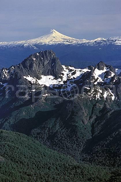 ea3185-08LE : Patagonie.  Amérique du sud, Amérique Latine, Amérique, panorama, chaine de montagnes, sommet, C02, C01 forêt, moyenne montagne, paysage, voyage aventure (Argentine).