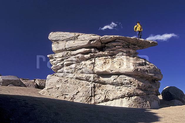 eb1222-05LE : Sud Lipez. trek Amérique du sud, Amérique Latine, Amérique, sport, loisir, action, sport aquatique, glisse, ciel bleu, repos, C02, C01 personnage, voyage aventure (Bolivie).