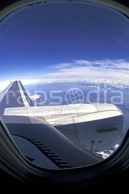 eb2016-36LE : Vue aérienne.  Amérique du nord, ciel bleu, vue aérienne, C02, C01 personnage, transport, voyage aventure (Usa).