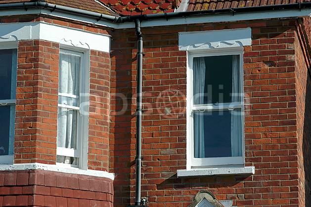 ee040126LE : Douvres.  Europe, CEE, fenêtre, mur, brique, C02, C01 environnement, habitation, voyage aventure (Royaume-Uni).