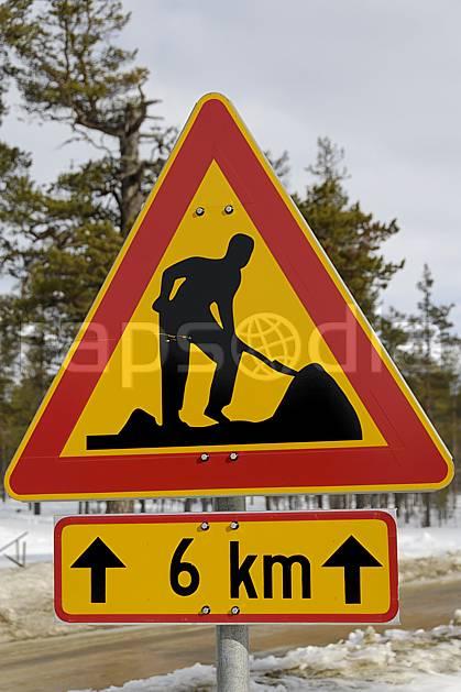 ee061286LE : Panneau indicateur travaux, Laponie.  Europe, CEE, signalisation, C02, C01 environnement, transport, voyage aventure (Finlande).