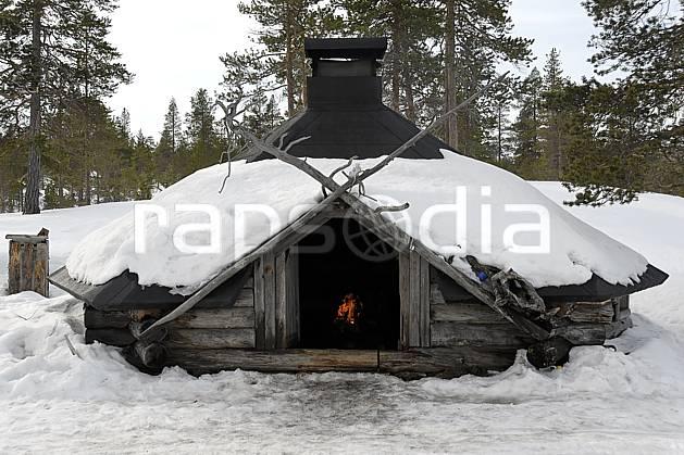 ee061757LE : Hutte traditionnelle, Vuotso, Laponie.  Europe, CEE, cabane, cabane, C02, C01 environnement, habitation, voyage aventure (Finlande).