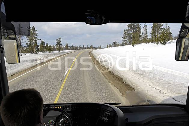 ee061825LE : Route, Laponie.  Europe, EEC, road, car environment, transportation, adventure trip (Finland).