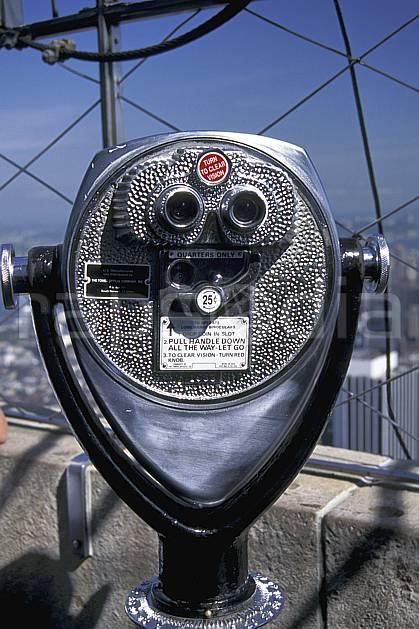 ee0634-08LE : Téléscope, Manhattan, Ville de New York.  Amérique du nord, ciel voilé, C02, C01 environnement, voyage aventure (Usa).