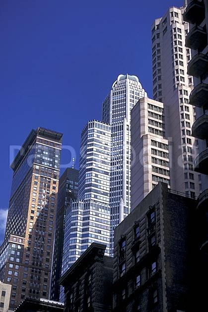 ee0638-35LE : Manhattan, Ville de New York.  Amérique du nord, building, ciel bleu, immeuble, C02, C01 environnement, habitation, voyage aventure (Usa).