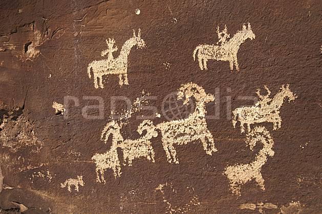 ee0654-33LE : Arches Park, Peintures rupestres, Pétroglyphes indiens, Utah.  Amérique du nord, folklore, parc américain, tradition, C02, C01 environnement, patrimoine, voyage aventure (Usa).