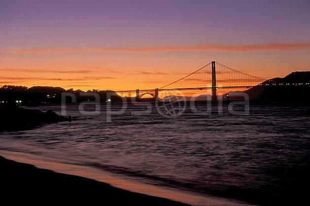 ee0672-37LE : Ville de San Francisco, Californie.  Amérique du nord, coucher de soleil, nuit, pont, C02, C01 environnement, patrimoine, voyage aventure (Usa).