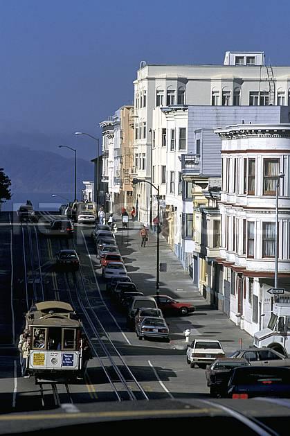 ee0678-10LE : Cable cabe, Ville de San Francisco, Californie.  Amérique du nord, route, voiture, C02, C01 environnement, habitation, transport, voyage aventure (Usa).