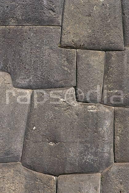 ee1202-07LE : Mur Inca, Cuzco.  Amérique du sud, Amérique Latine, folklore, temple, tradition, C02, C01 environnement, patrimoine, voyage aventure (Pérou).