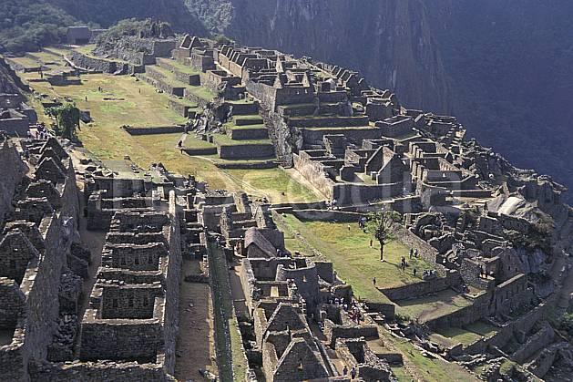 ee1203-14LE : Machu Pichu.  Amérique du sud, Amérique Latine, folklore, habitation, ruine, temple, tradition, C02, C01 environnement, patrimoine, voyage aventure (Pérou).