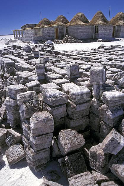 ee1217-02LE : Désert de sel, Uyuni, Sud Lipez.  Amérique du sud, Amérique Latine, Amérique, ciel bleu, C02, C01 environnement, habitation, voyage aventure (Bolivie).