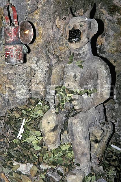 ee1230-19LE : Potosi, El Diablo, Divinité des mineurs.  Amérique du sud, Amérique Latine, Amérique, statue, C02, C01 environnement, voyage aventure (Bolivie).