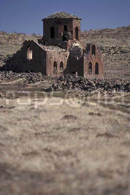 ee2641-02LE : Anatolie Centrale, Cappadoce.  Europe, ciel bleu, ruine, église, C02, C01 environnement, habitation, patrimoine, voyage aventure (Turquie).
