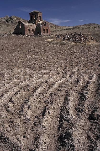 ee2641-03LE : Anatolie Centrale, Cappadoce.  Europe, ciel bleu, ruine, église, C02, C01 environnement, habitation, patrimoine, voyage aventure (Turquie).
