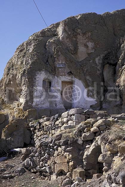 ee2641-33LE : Anatolie Centrale, Cappadoce.  Europe, ciel bleu, ruine, C02, C01 environnement, habitation, patrimoine, voyage aventure (Turquie).