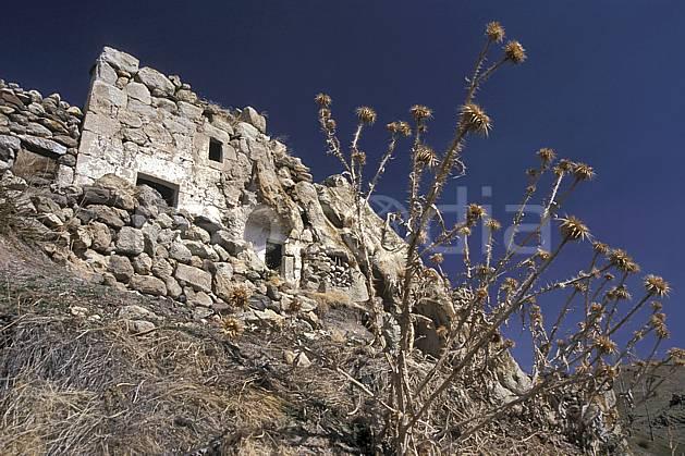 ee2641-37LE : Anatolie Centrale, Cappadoce.  Europe, ciel bleu, ruine, C02, C01 environnement, habitation, voyage aventure (Turquie).