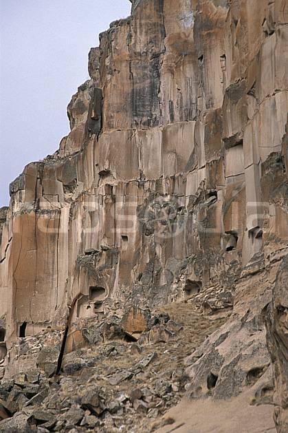 ee2647-16LE : Anatolie Centrale, Cappadoce.  Europe, ciel nuageux, falaise, folklore, tradition, C02, C01 environnement, habitation, patrimoine, voyage aventure (Turquie).