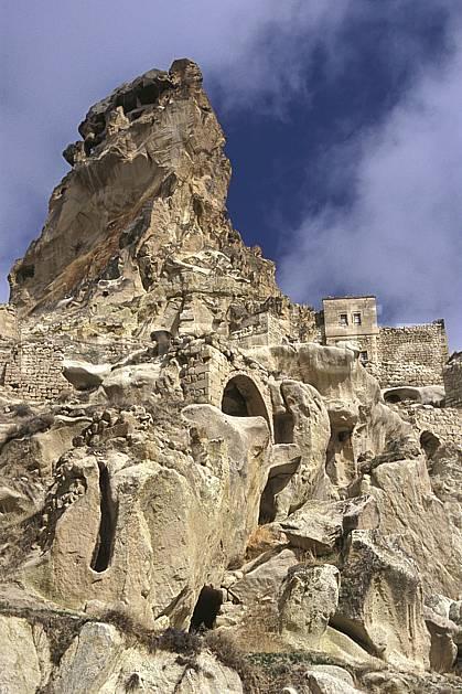 ee2649-11LE : Anatolie Centrale, Cappadoce.  Europe, ciel nuageux, folklore, pic, ruine, tradition, C02, C01 environnement, habitation, patrimoine, voyage aventure (Turquie).