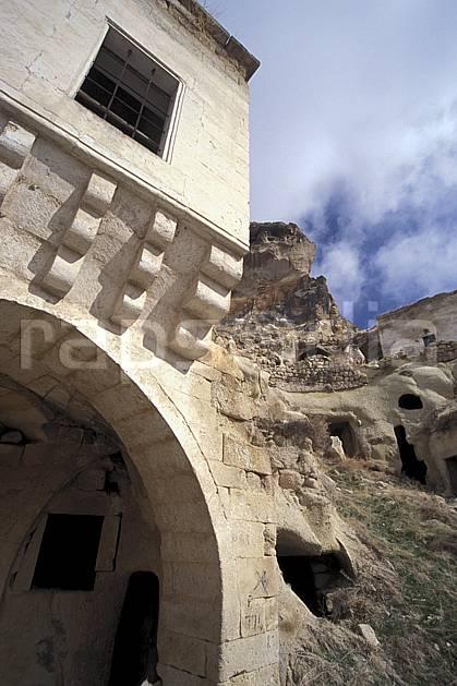 ee2649-12LE : Anatolie Centrale, Cappadoce.  Europe, ciel nuageux, folklore, tradition, C02, C01 environnement, patrimoine, voyage aventure (Turquie).