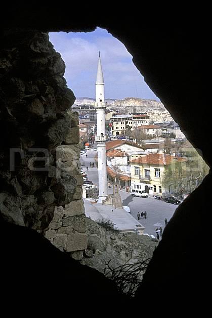 ee2650-02LE : Anatolie Centrale, Cappadoce.  Europe, ciel nuageux, mosquée, C02, C01 environnement, habitation, voyage aventure (Turquie).