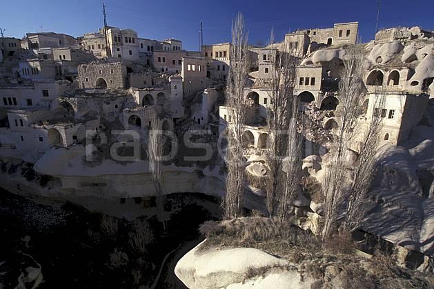 ee2652-08LE : Anatolie Centrale, Cappadoce.  Europe, ciel bleu, C02, C01 environnement, habitation, voyage aventure (Turquie).