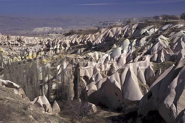 ee2653-28LE : Anatolie Centrale, Cappadoce.  Europe, ciel bleu, folklore, habitation, tradition, C02, C01 environnement, patrimoine, paysage, voyage aventure (Turquie).
