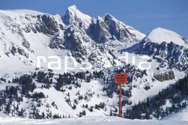 ee2943-03LE : Jackson Hole, Grand Teton, Wyoming.  Amérique du nord, ciel bleu, sapin, C02, C01 environnement, paysage, voyage aventure (Usa).