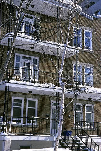ee3108-35LE : Habitation à Québec.  Amérique du nord, Amérique, immeuble, ville, building, enneigé, C02, C01 environnement, habitation, voyage aventure (Canada Québec).