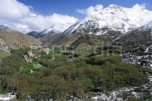 ee3148-14LE : Trek Maroc.  Afrique, Afrique du nord, village, vallée, C02, C01 environnement, habitation, moyenne montagne, paysage, voyage aventure (Maroc).