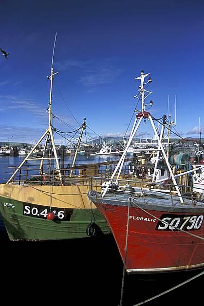 ee3173-31LE : Paysage d'Irlande.  Europe, CEE, bateau, port, C02, C01 environnement, mer, transport, voyage aventure (Irlande).