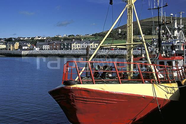 ee3173-32LE : Paysage d'Irlande.  Europe, CEE, bateau, port, C02, C01 environnement, habitation, mer, transport, voyage aventure (Irlande).