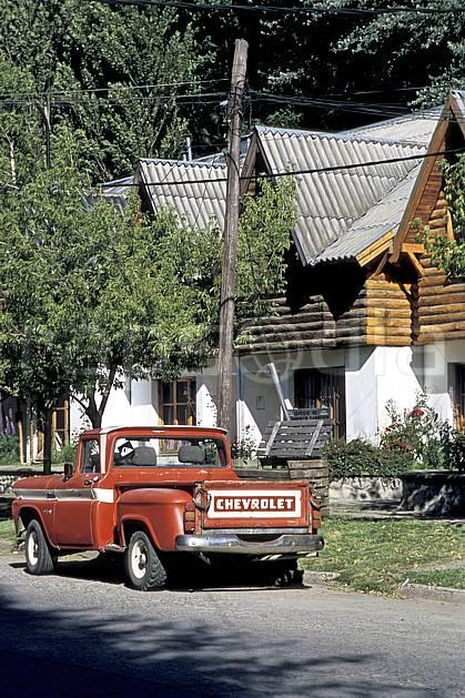 ee3180-30LE : Patagonie.  Amérique du sud, Amérique Latine, Amérique, voiture, cabane, C02, C01 environnement, habitation, transport, voyage aventure (Argentine).